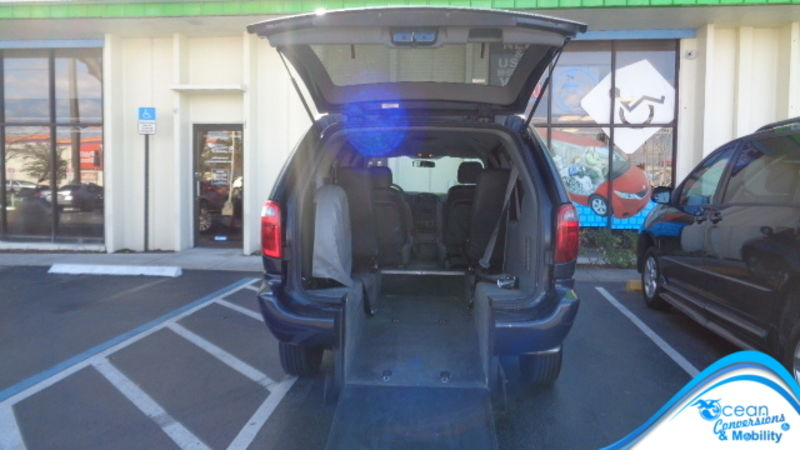 Used 2007 Dodge Grand Caravan.  ConversionBraunAbility Dodge Manual Rear Entry