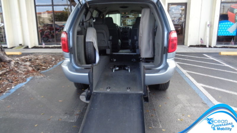 Used 2005 Dodge Grand Caravan.  ConversionBraunAbility Dodge Manual Rear Entry