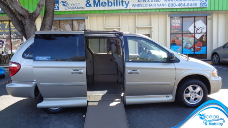 Used 2006 Dodge Grand Caravan.  ConversionBraunAbility Chrysler Entervan II
