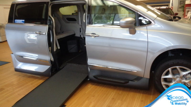 2018 Chrysler Pacifica VMI Chrysler Pacifica Northstar Access360 by VMI wheelchair van for sale