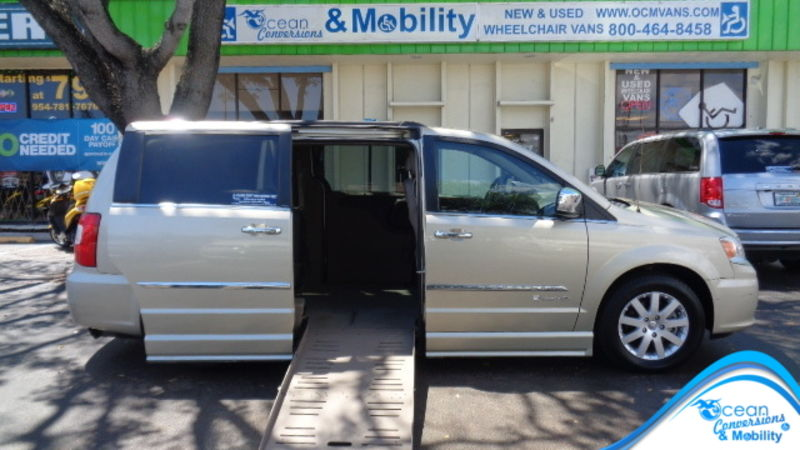Used 2012 Chrysler Town and Country.  ConversionBraunAbility Dodge Entervan II