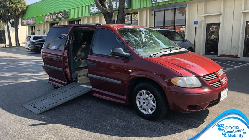 Used 2007 Dodge Grand Caravan.  ConversionBraunAbility Dodge Entervan II