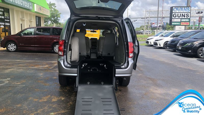 Used 2013 Dodge Grand Caravan.  ConversionBraunAbility Dodge Manual Rear Entry