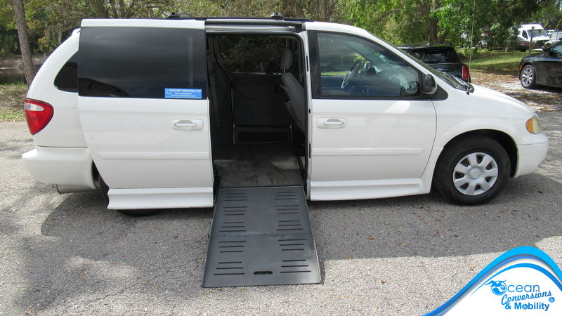 2005 Dodge Grand Caravan BraunAbility Dodge CompanionVan wheelchair van for sale